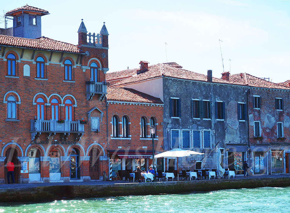 Affordably trip to Venice Italy